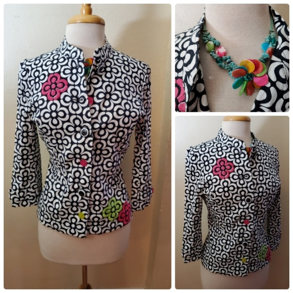a la carte Jackets & Blazers - A La Carte Floral Button Up Jacket Top